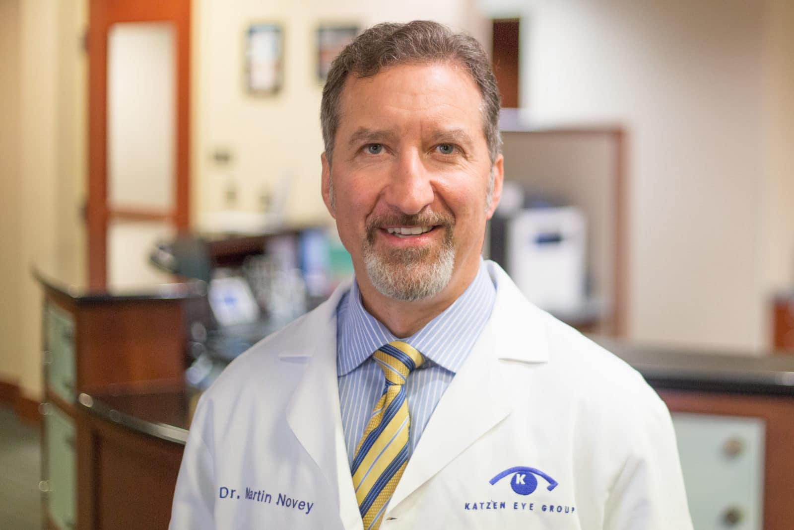 Dr. Martin Novey